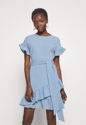 RUFFLE WRAP DRESS - Vardagsklänning - blue
