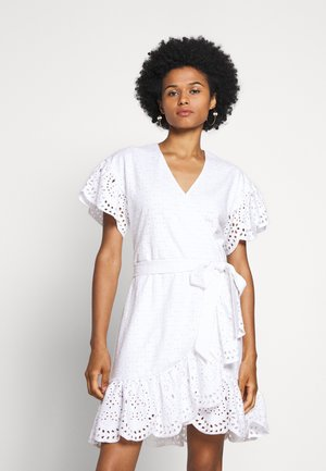 EYELET WRAP DRESS - Korte jurk - white