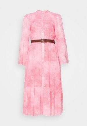 SUNBLCHED MIDI DRESS - Sukienka letnia - geranium