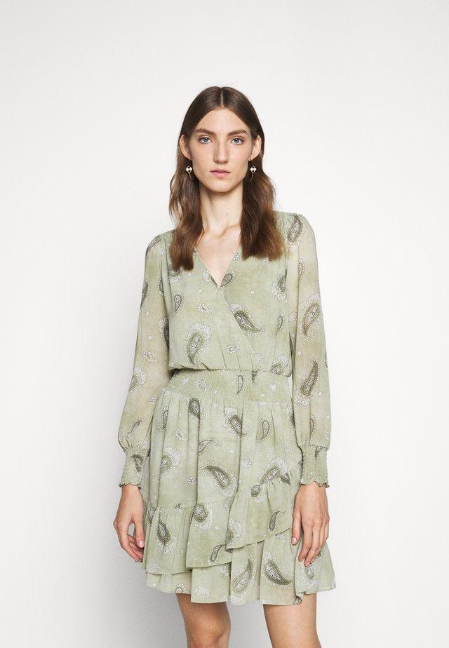 PAISLEY DRESS - Freizeitkleid - army green