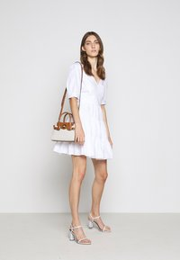 MICHAEL Michael Kors - V NECK PUFF DRESS - Korte jurk - white - 1