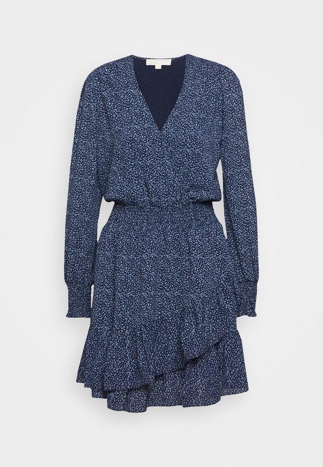 BLOSSOM DRESS - Freizeitkleid - chambray
