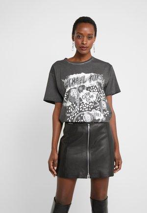 ROCK STAR TEE - T-shirt z nadrukiem - washed black