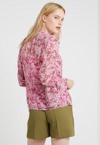 MICHAEL Michael Kors - SMOCK TOP - Skjorte - hibiscus - 2