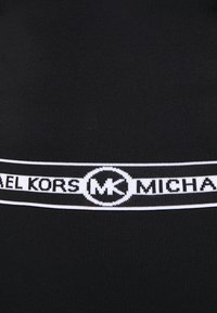 MICHAEL Michael Kors - LOGO CROP CREW - Triko spotiskem - black - 7