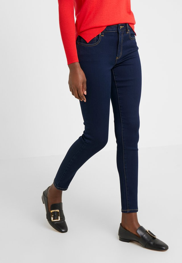 SELMA SKINNY - Jeansy Skinny Fit - twilight wash