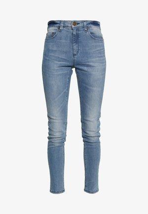 SELMA - Skinny džíny - light indigo