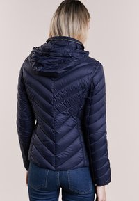 MICHAEL Michael Kors - SHORT PACKABLE PUFFER - Daunenjacke - dark navy - 3