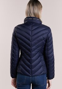 MICHAEL Michael Kors - SHORT PACKABLE PUFFER - Chaqueta de plumas - dark navy - 2