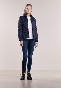 MICHAEL Michael Kors - SHORT PACKABLE PUFFER - Daunenjacke - dark navy - 1
