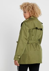 MICHAEL Michael Kors - PLUS ZIP FRONT - Trenchcoat - smoky olive - 2
