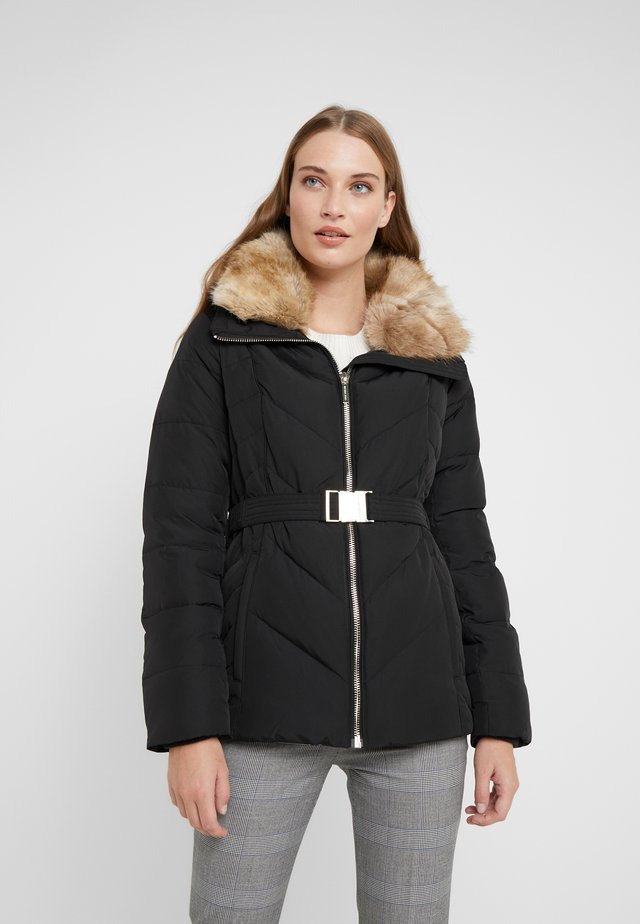 FITTED PUFFER - Gewatteerde jas - black
