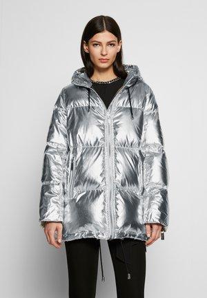 PUFFER COAT - Kabát zprachového peří - silver