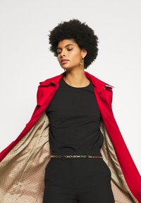 MICHAEL Michael Kors - NEW WITH HOOD  - Trenchcoats - red - 7