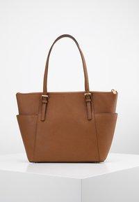 MICHAEL Michael Kors - Shopping bag - cognac - 2