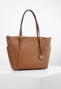 MICHAEL Michael Kors - Shopping bag - cognac - 0