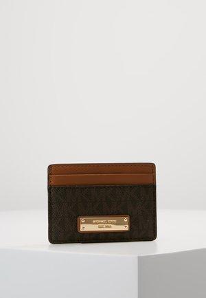 MONEY PIECES CARD HOLDER - Visitkortsfodral - brown