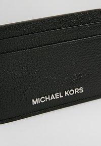 MICHAEL Michael Kors - MONEY PIECES CARD HOLDER - Lompakko - black - 2
