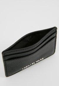 MICHAEL Michael Kors - MONEY PIECES CARD HOLDER - Lompakko - black - 5
