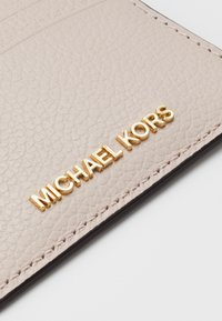 MICHAEL Michael Kors - JET SET CARD HOLDER MERCER - Lompakko - soft pink - 2