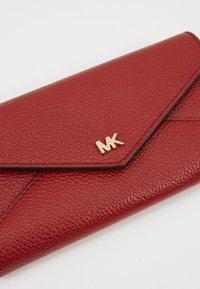 MICHAEL Michael Kors - MOTT SLIM TRIFOLD MERCER PEBBLE - Portemonnee - brandy - 2