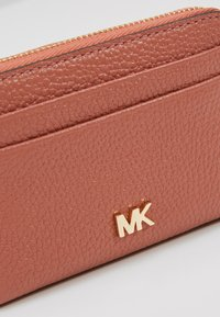 MICHAEL Michael Kors - COIN CARD CASE MERCER - Geldbörse - sunset peach