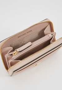 MICHAEL Michael Kors - COIN CARD CASE MERCER - Lompakko - soft pink - 5