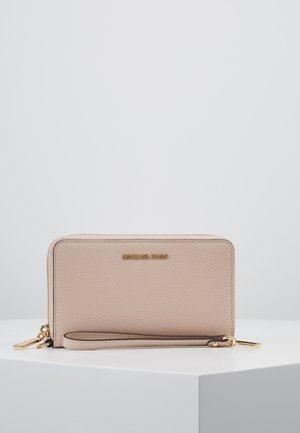 JET SET FLAT CASE MERCER - Portemonnee - soft pink