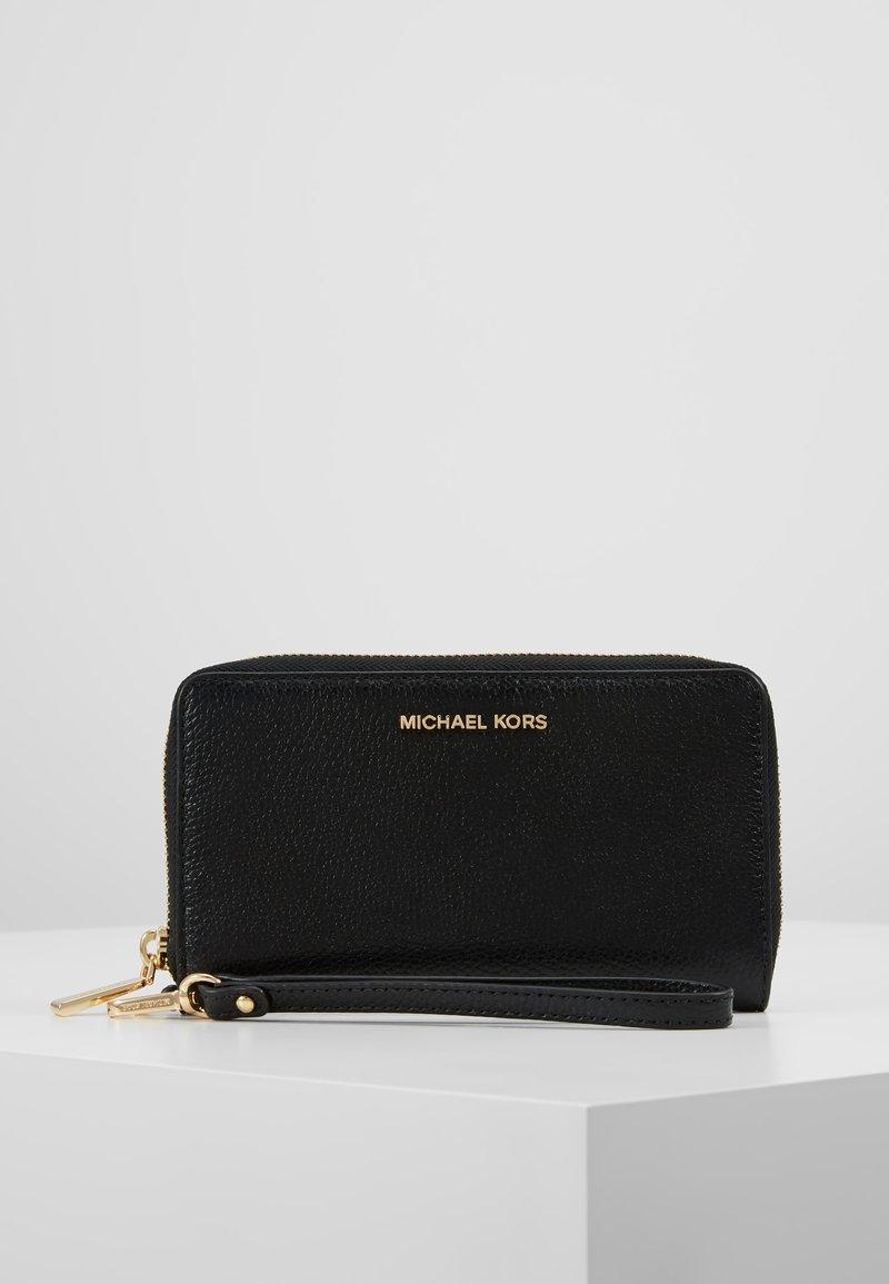 MICHAEL Michael Kors - JET SET FLAT CASE MERCER - Plånbok - black