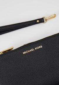 MICHAEL Michael Kors - Portemonnee - black - 2