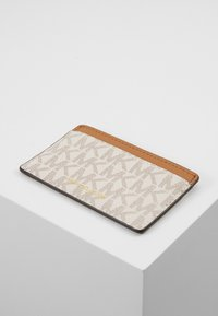 MICHAEL Michael Kors - CARD CARRYALL SET - Peněženka - vanilla - 5