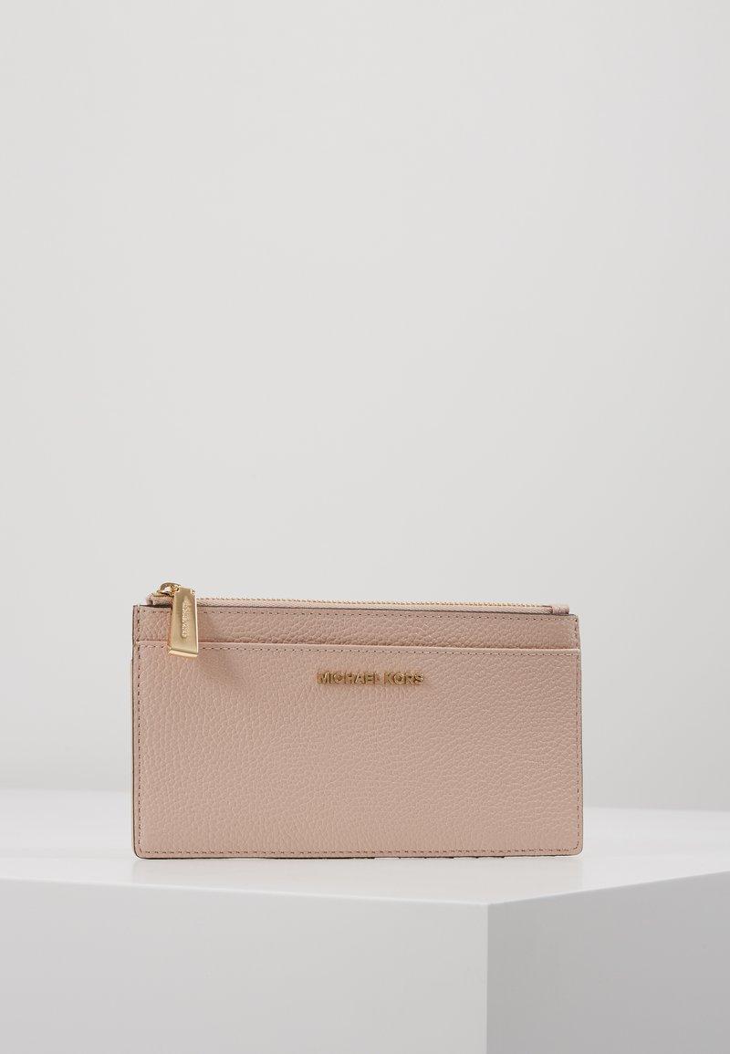 MICHAEL Michael Kors - JET SLIM CARD CASE - Peněženka - soft pink