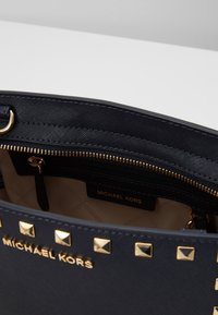 MICHAEL Michael Kors - SELMA MESSENGER - Across body bag - admiral - 4
