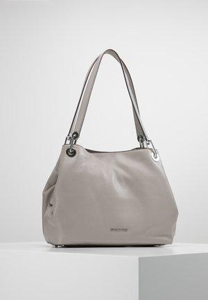RAVEN  - Handväska - pearl grey
