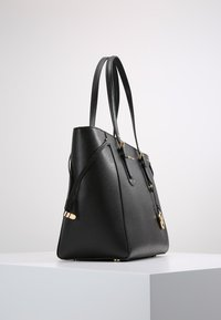 MICHAEL Michael Kors - VOYAGER  - Shoppingveske - black - 3