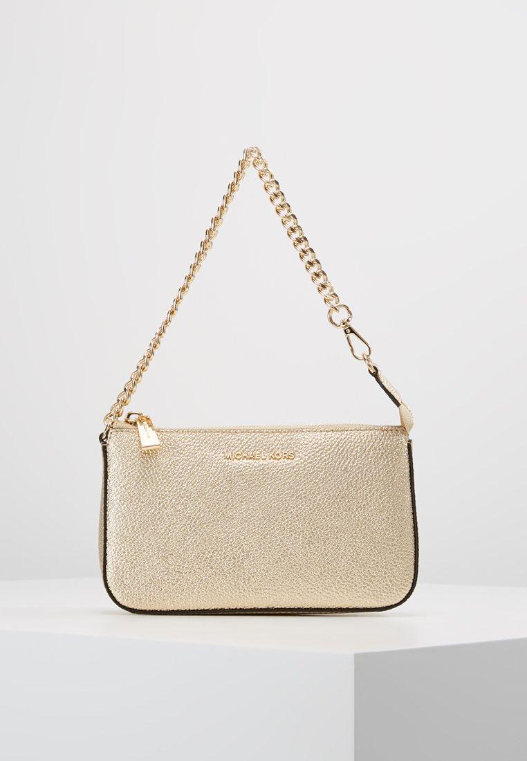 MICHAEL Michael Kors - JET SET CHAIN POUCHETTE MERCER PEBBLE  - Handbag - pale gold