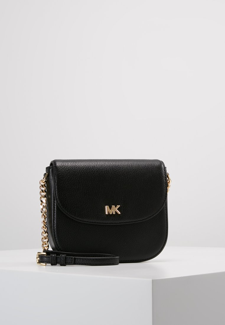MICHAEL Michael Kors - MOTT HALF DOME CROSSBODY SMALL SHINY  - Skulderveske - black