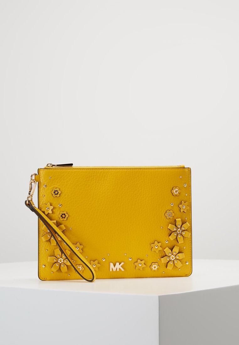 MICHAEL Michael Kors - POUCHE SAND CLUTCHES ZIP - Clutch - sunflower