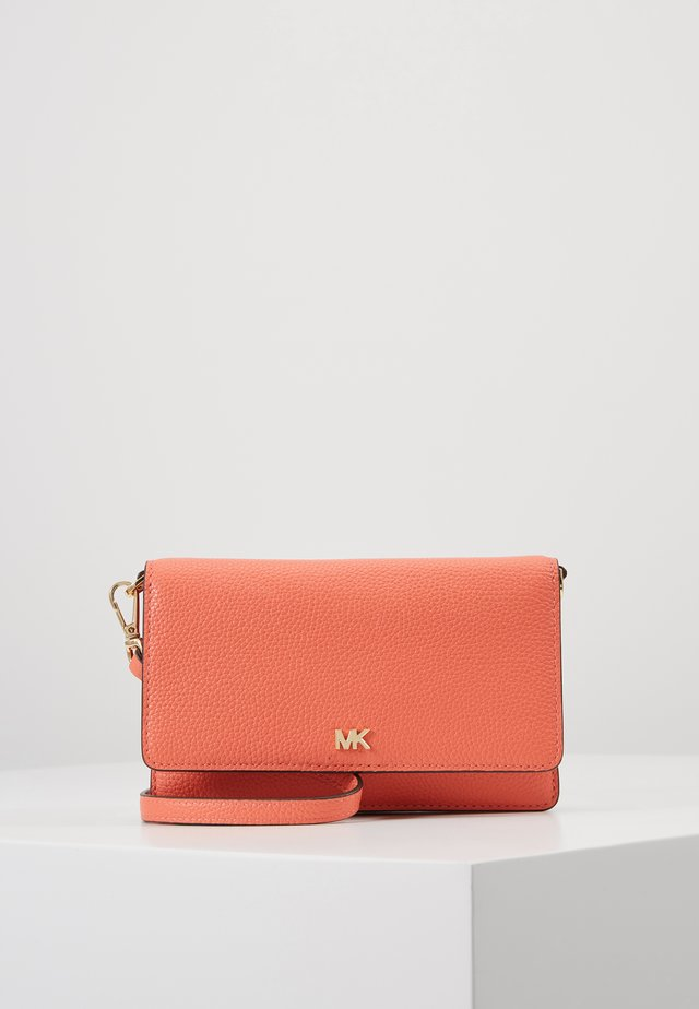 PHONE CROSSBODY - Clutch - pnkgrapfruit