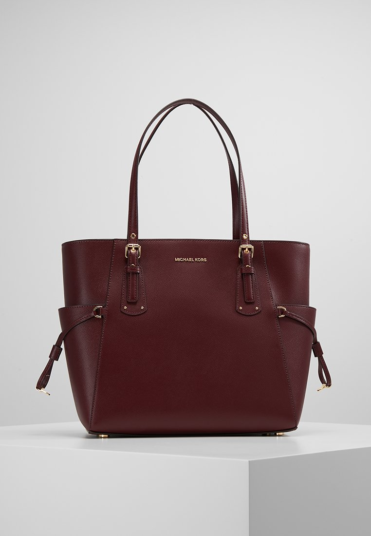 MICHAEL Michael Kors - VOYAGER TOTE - Bolso de mano - oxblood