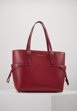 VOYAGER TOTE - Sac à main - berry