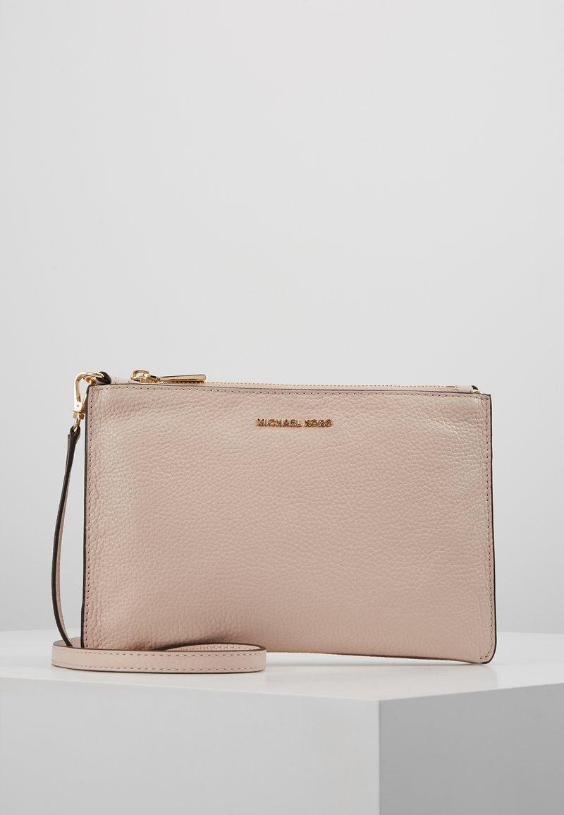 MICHAEL Michael Kors - CROSSBODIES POUCH BODY - Across body bag - soft pink