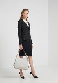 MICHAEL Michael Kors - LILLIE TOTE - Shopping bag - vanilla - 1