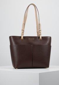 MICHAEL Michael Kors - BEDFORD POCKET TOTE - Handbag - barolo - 0