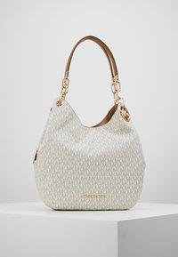MICHAEL Michael Kors - LILLIE CHAIN TOTE  - Shopping Bag - vanilla/acrn - 0