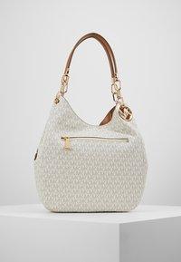 MICHAEL Michael Kors - LILLIE CHAIN TOTE  - Shopping Bag - vanilla/acrn - 2