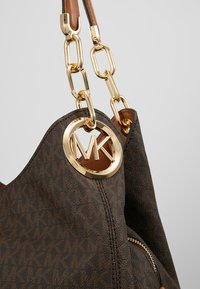 MICHAEL Michael Kors - LILLIE CHAIN TOTE  - Shopping Bag - acorn - 6