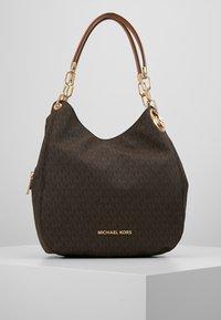 MICHAEL Michael Kors - LILLIE CHAIN TOTE  - Bolso shopping - acorn - 0
