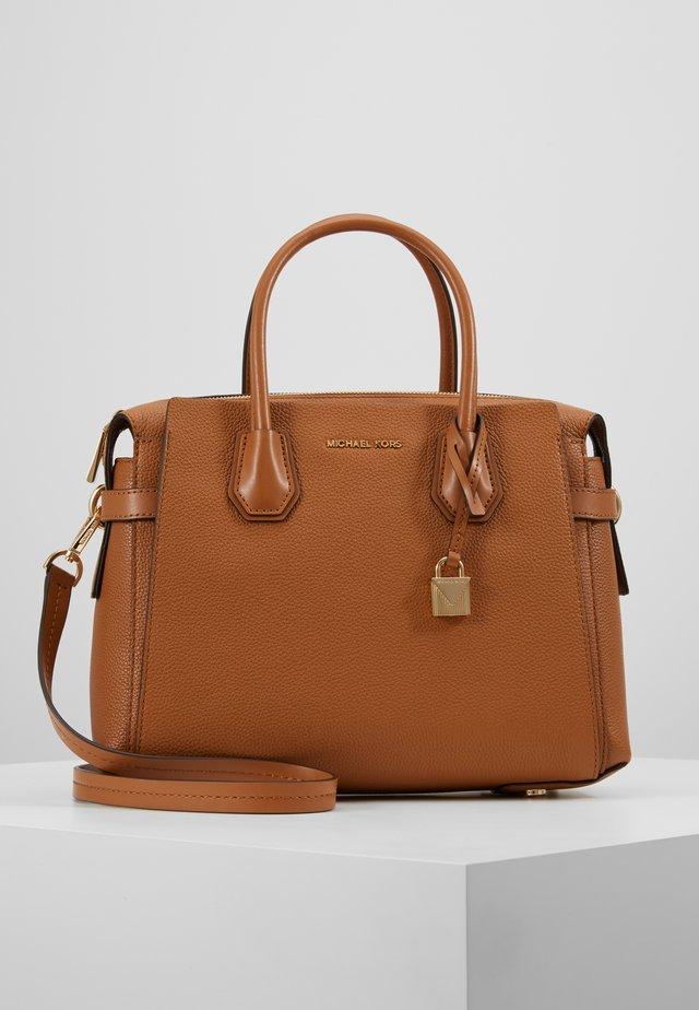 MERCER BELTED SATCHEL - Handbag - acorn