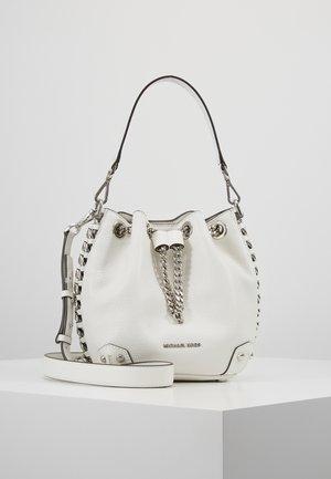 SIMONE ALANIS BUCKET - Handtasche - white